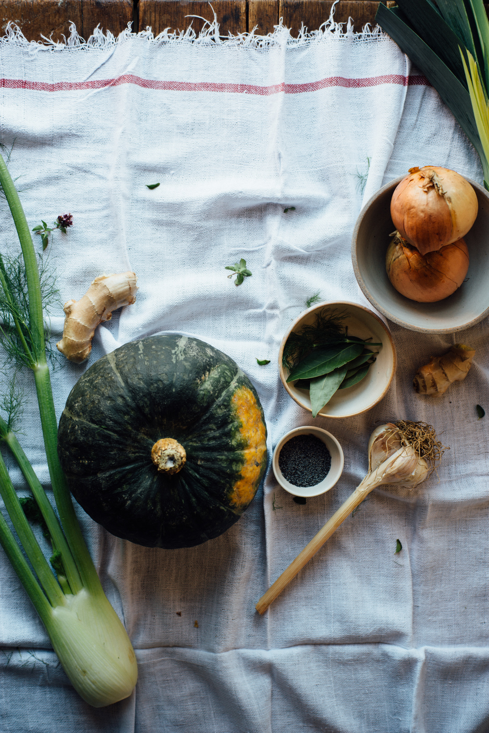 kabocha squash, fennel + ginger soup w/ spicy coconut cream | dolly and oatmeal