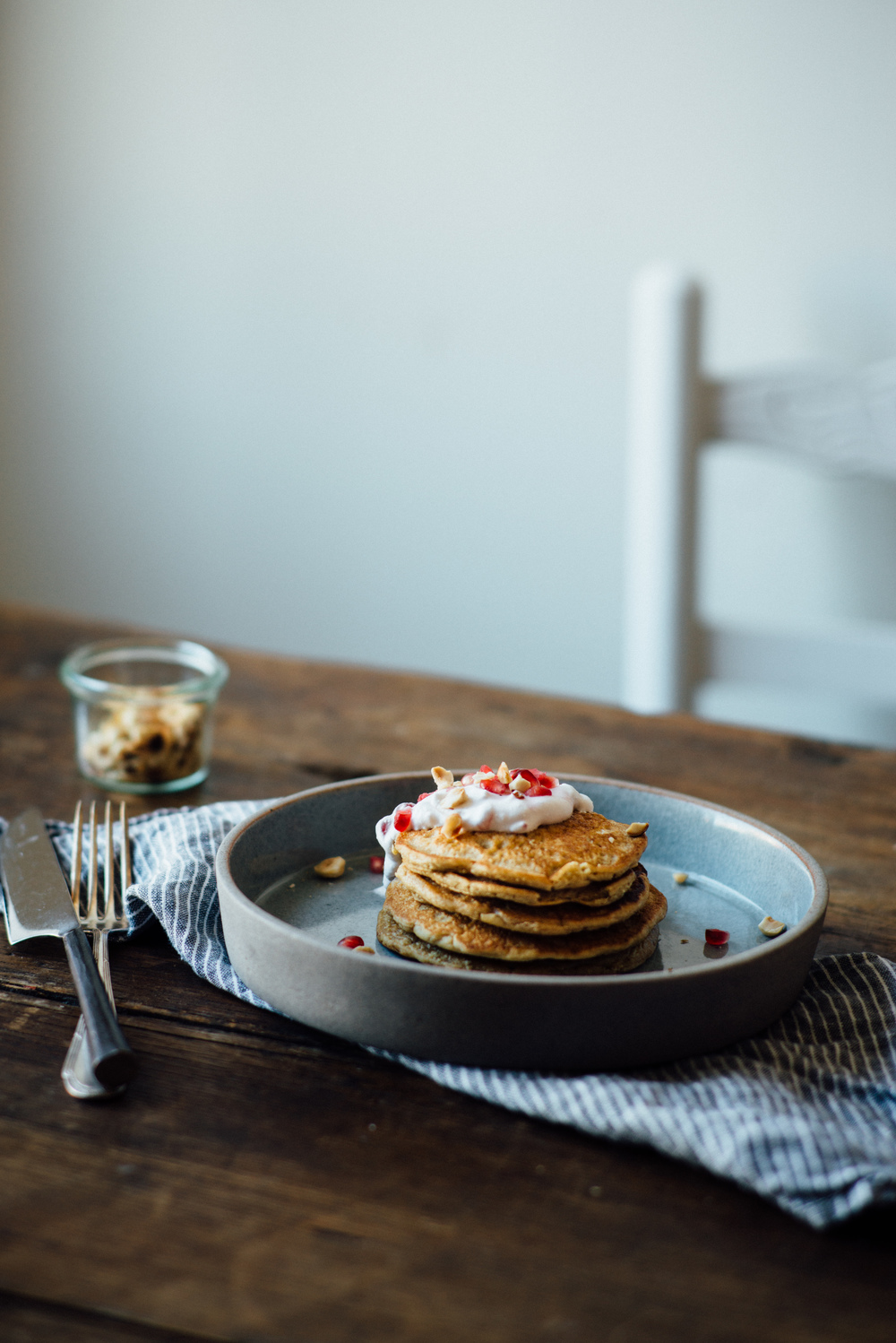(gluten + dairy free) oat pancakes w/ pomegranate yogurt | dolly and oatmeal