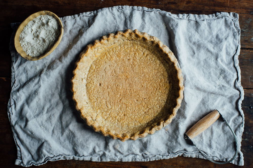 how to make whole grain, gluten free + vegan pie crust! — dolly and ...