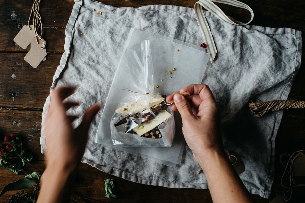 edible gifting + chocolate bark 3 ways | dolly and oatmeal