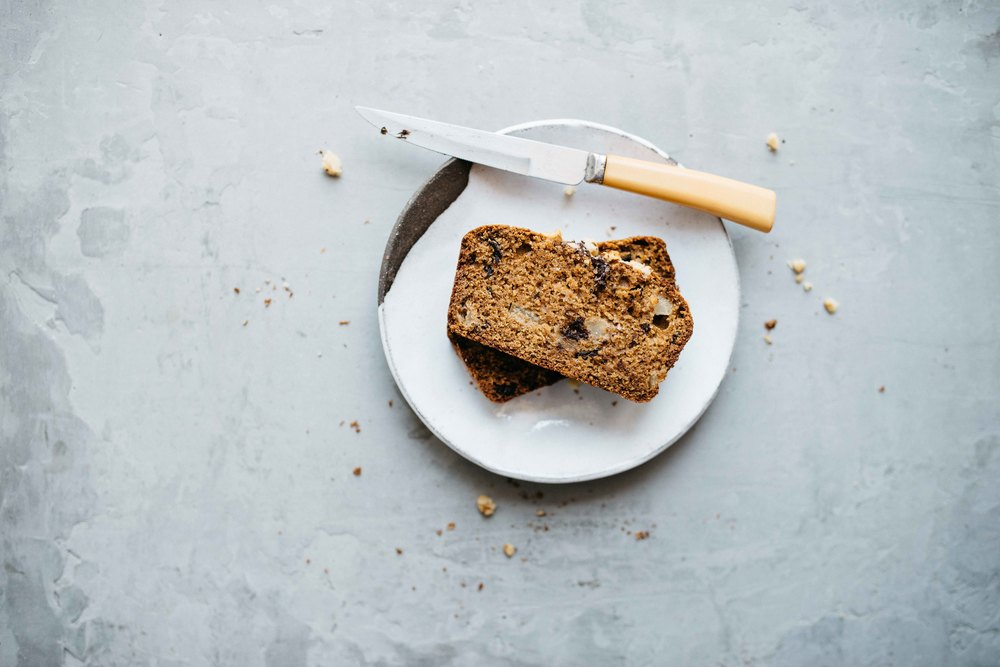 olive oil + dark chocolate chunk loaf w/ pears | dolly and oatmeal