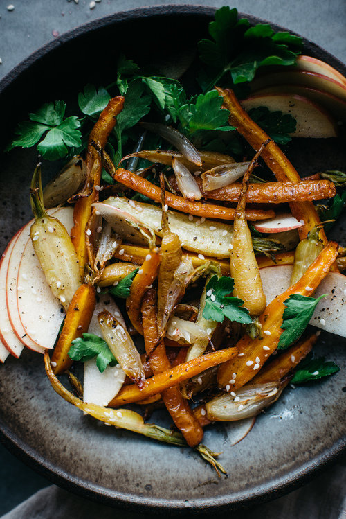 fennel-roasted carrot + shallot salad w/ shaved apples