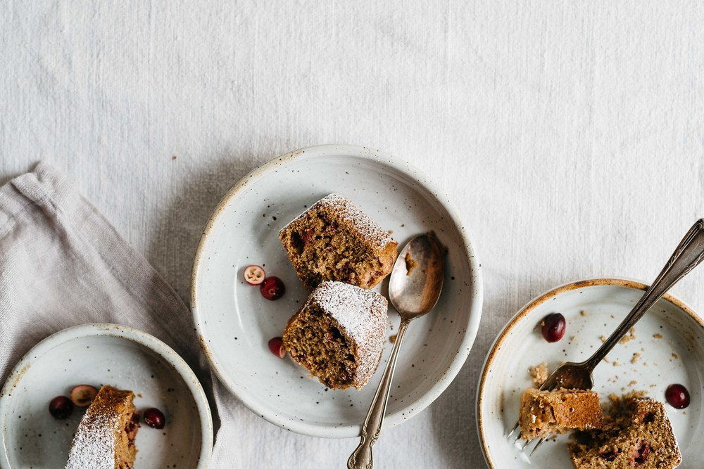 cranberry, lemon + poppy seed breakfast slice (gf + df) | dolly and oatmeal