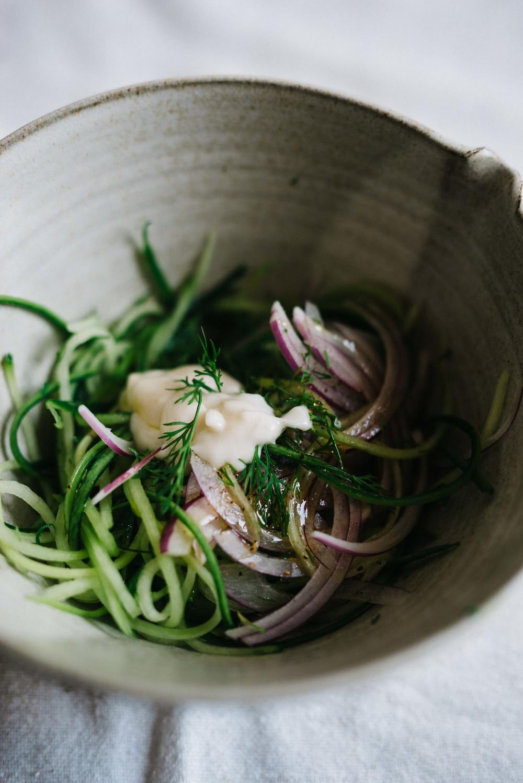 Garlicky Cucumber Slaw | dolly and oatmeal #vegan #glutenfree