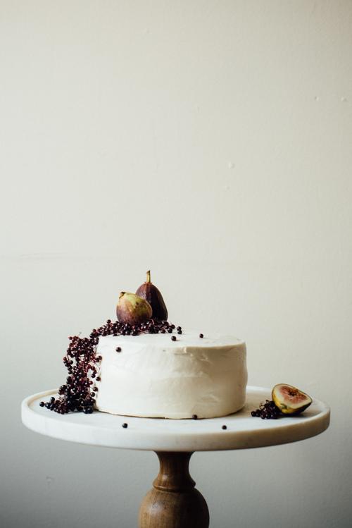 hazelnut layer cake w/ fig compots