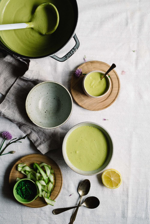Creamy Tahini & Lemon-Asparagus Soup | dolly and oatmeal #vegan