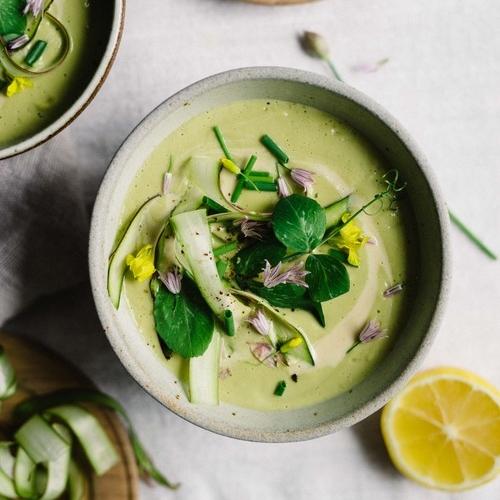 creamy tahini & asparagus soup