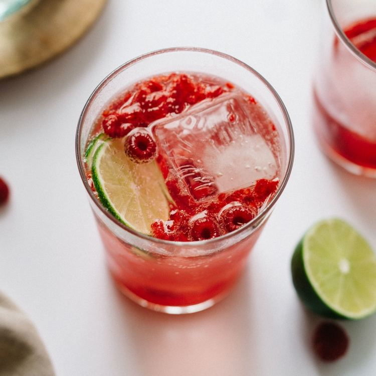fizzy lemon-limeade w/ crushed raspberries