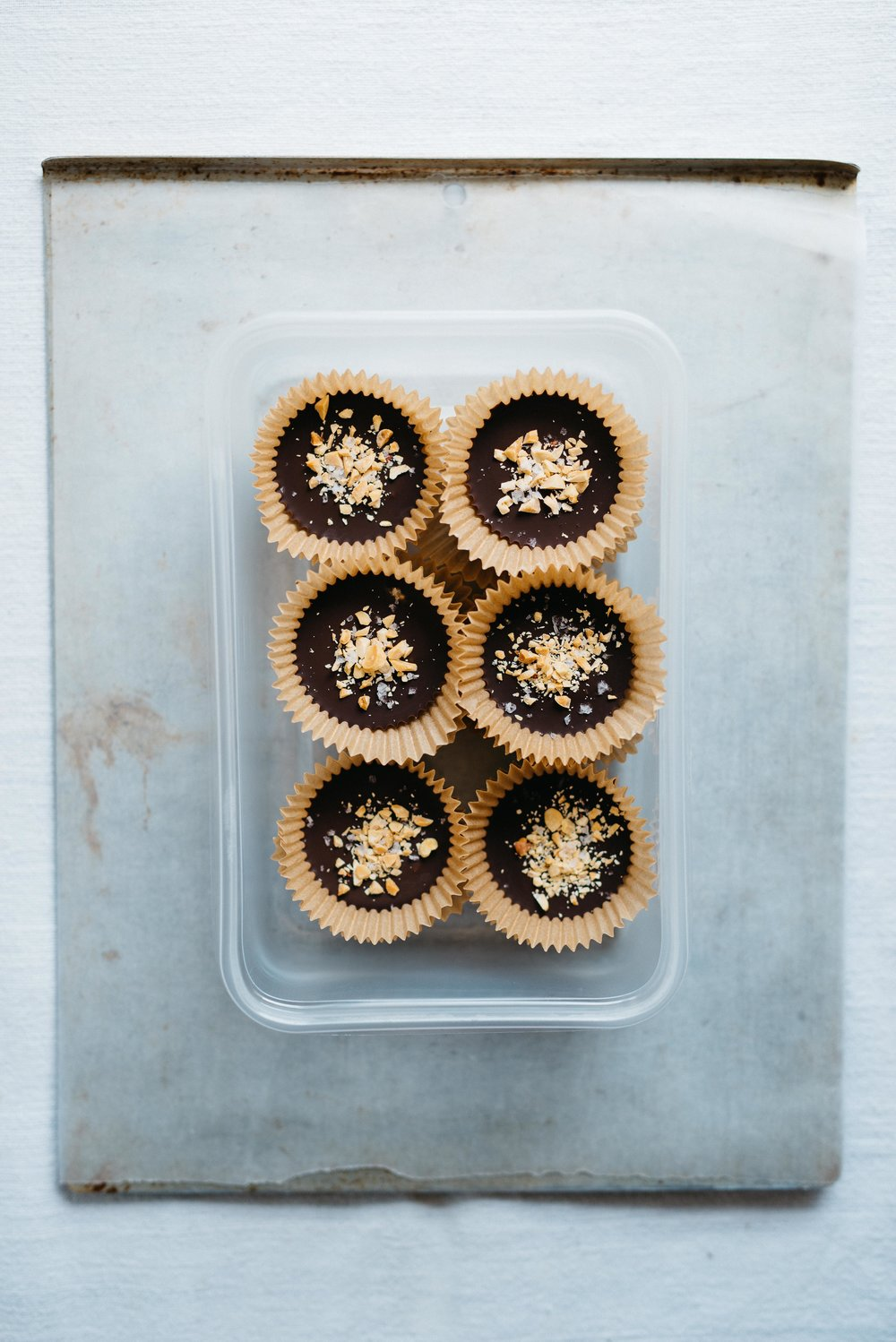 Summer Fridays!: Frozen Chia Seed Peanut Butter Cups | dolly and oatmeal #vegan