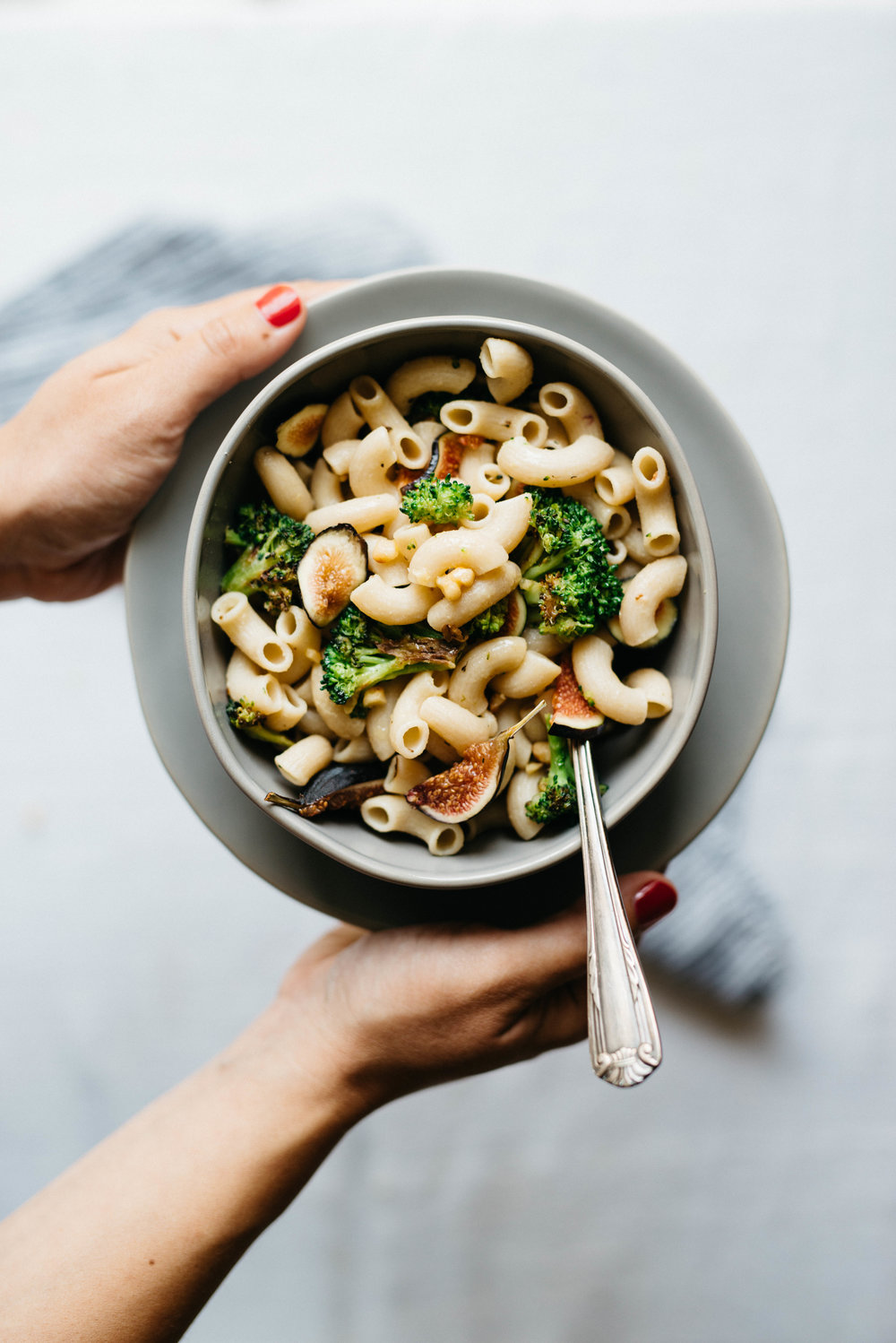creamy garlicky pasta w/ charred broccoli & figs
