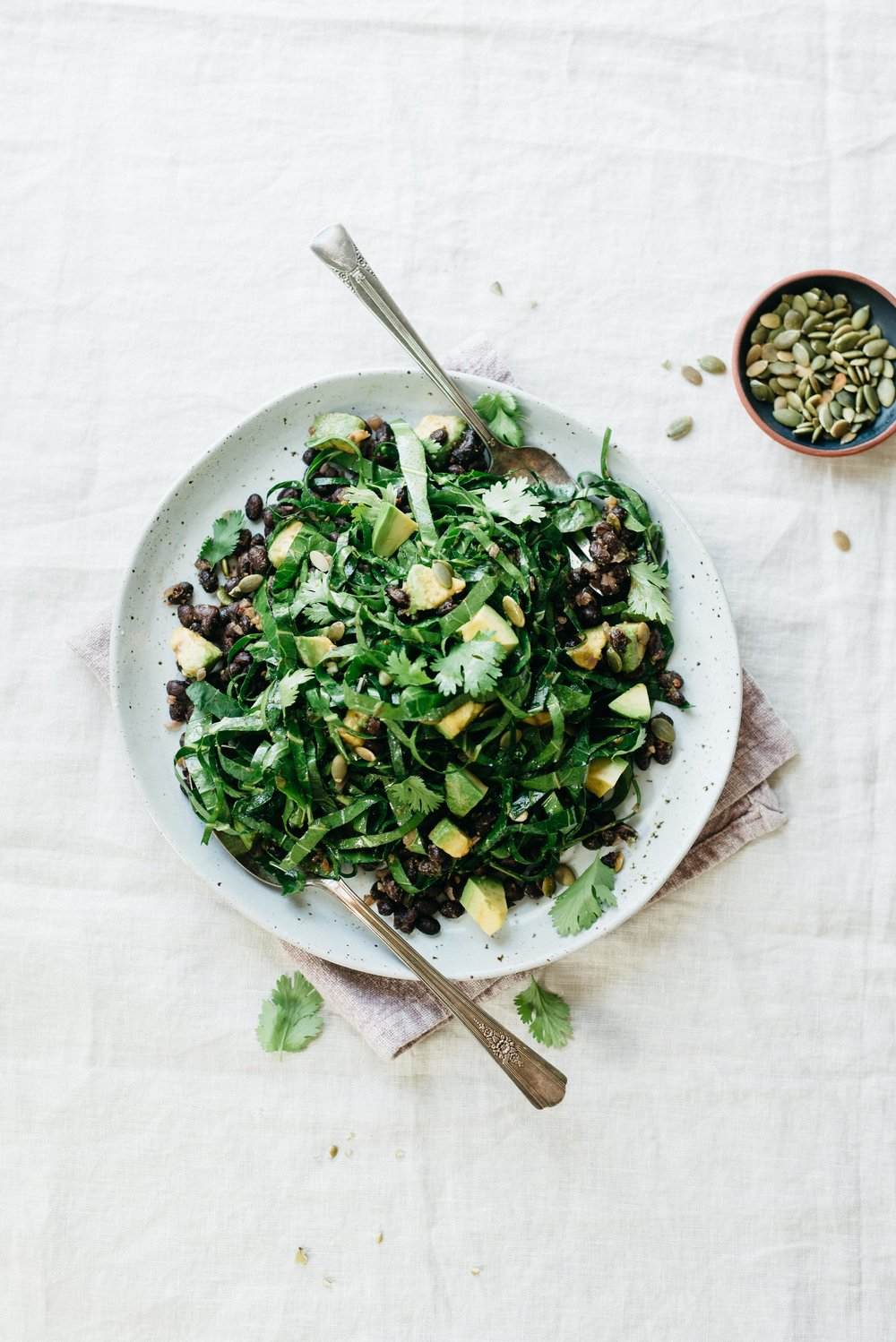 Chipotle Black Beans w/ Collard Greens, Avocado, and Chipotle-Lime Vinaigrette | dolly and oatmeal