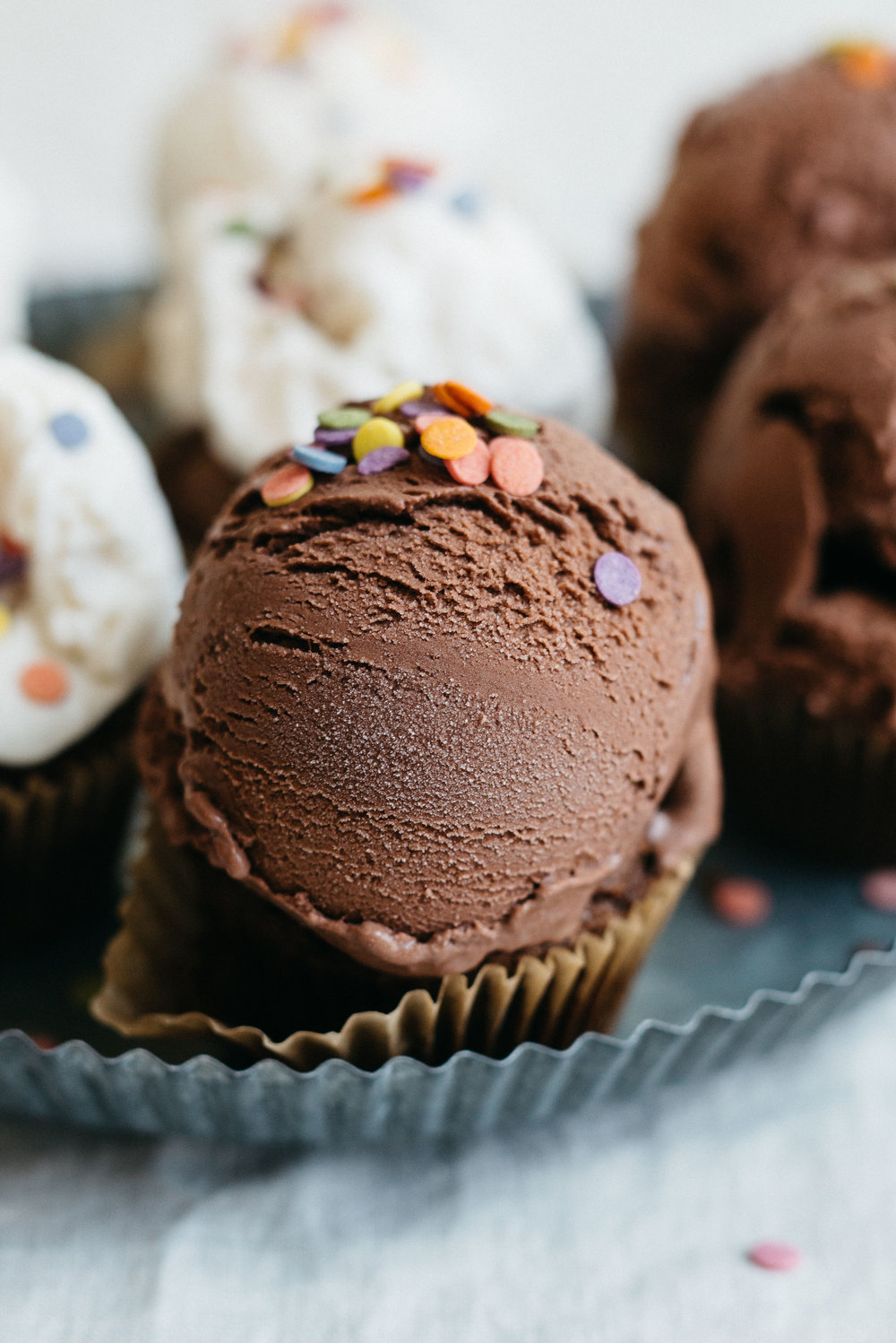 Ice Cream & Almond Butter-Chocolate Cupcakes | dolly and oatmeal