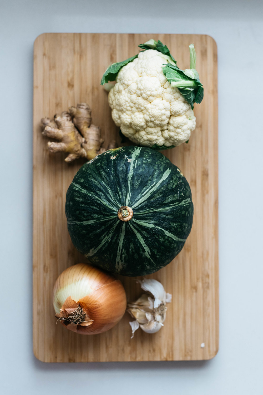 GOLDEN CAULIFLOWER KABOCHA SOUP | dolly and oatmeal