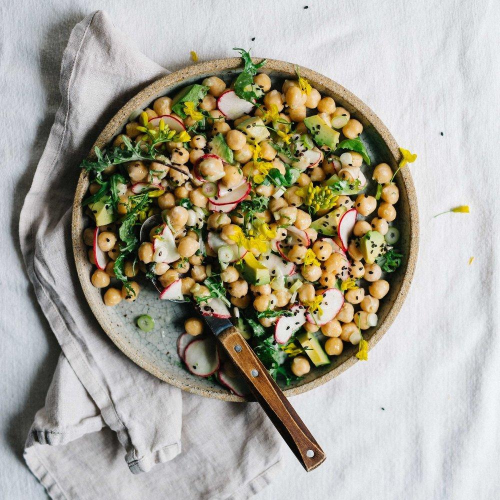 chickpea & avocado tzatziki salad