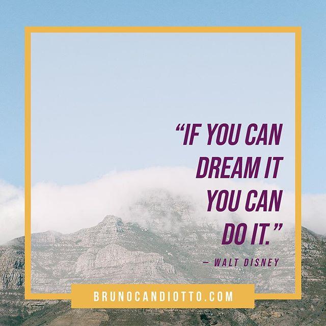 """➞ """"Se você pode sonhar, você pode realizar"""". #MANODOCÉU, essa frase tá colada aqui na parede do meu escritório pra eu nunca esquecer. Se você tem um sonho, saiba que ele já é seu. E na boa, ninguém segura uma pessoa determinada a realizar seu próprio sonho. Só depende de você!!! E aí, pronto pra dar o primeiro passo? Que tal marcar alguém que tá precisando ler isso?"""