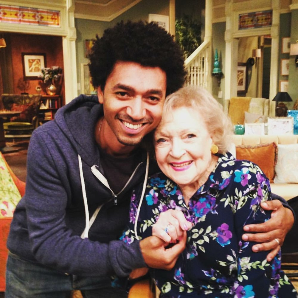 SCP on the set of  HOT IN CLEVELAND  with   Betty White
