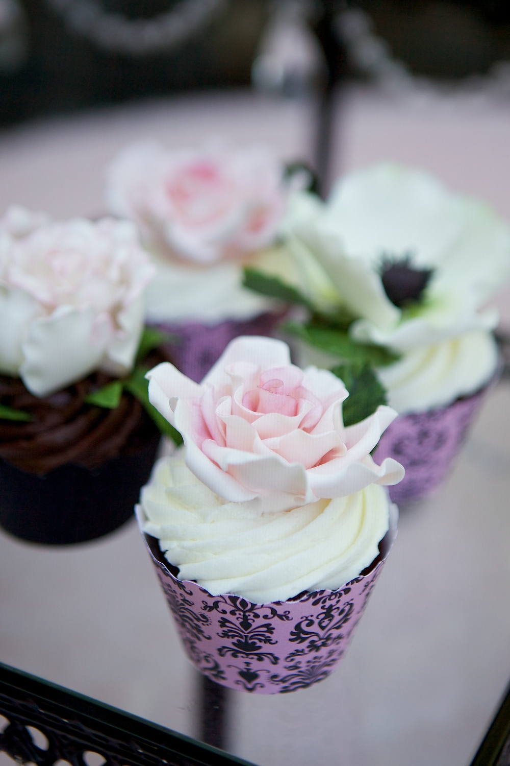 """matching sugar flower cupcakes"""