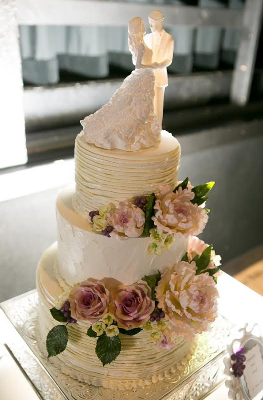 "jessiesphotos.com .... ""Buttercream ruffles with sugar peonies, hydrangeas, and vintage roses"""