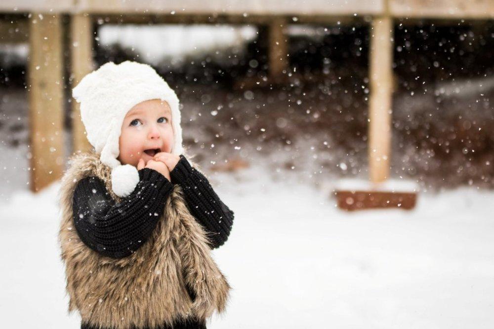Child_Snow