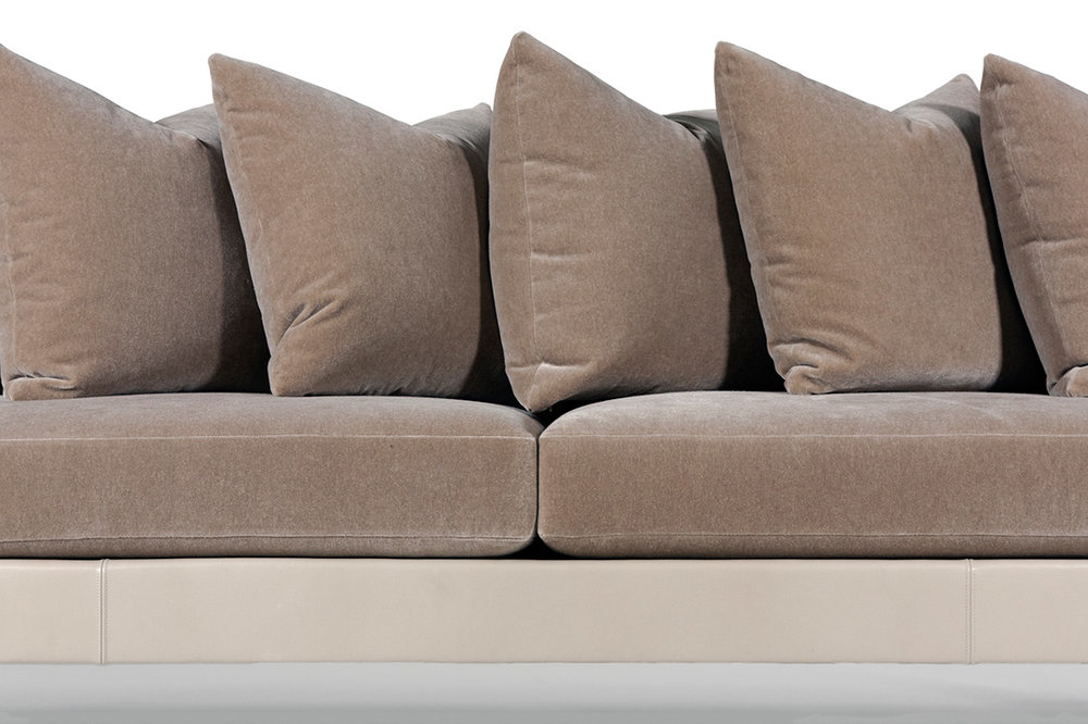ELLIOT-EAKIN-Furniture_Adeline-Sofa_Detail-Middle.jpg