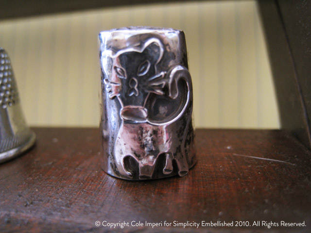 Lucerne Wulf Cat Thimble