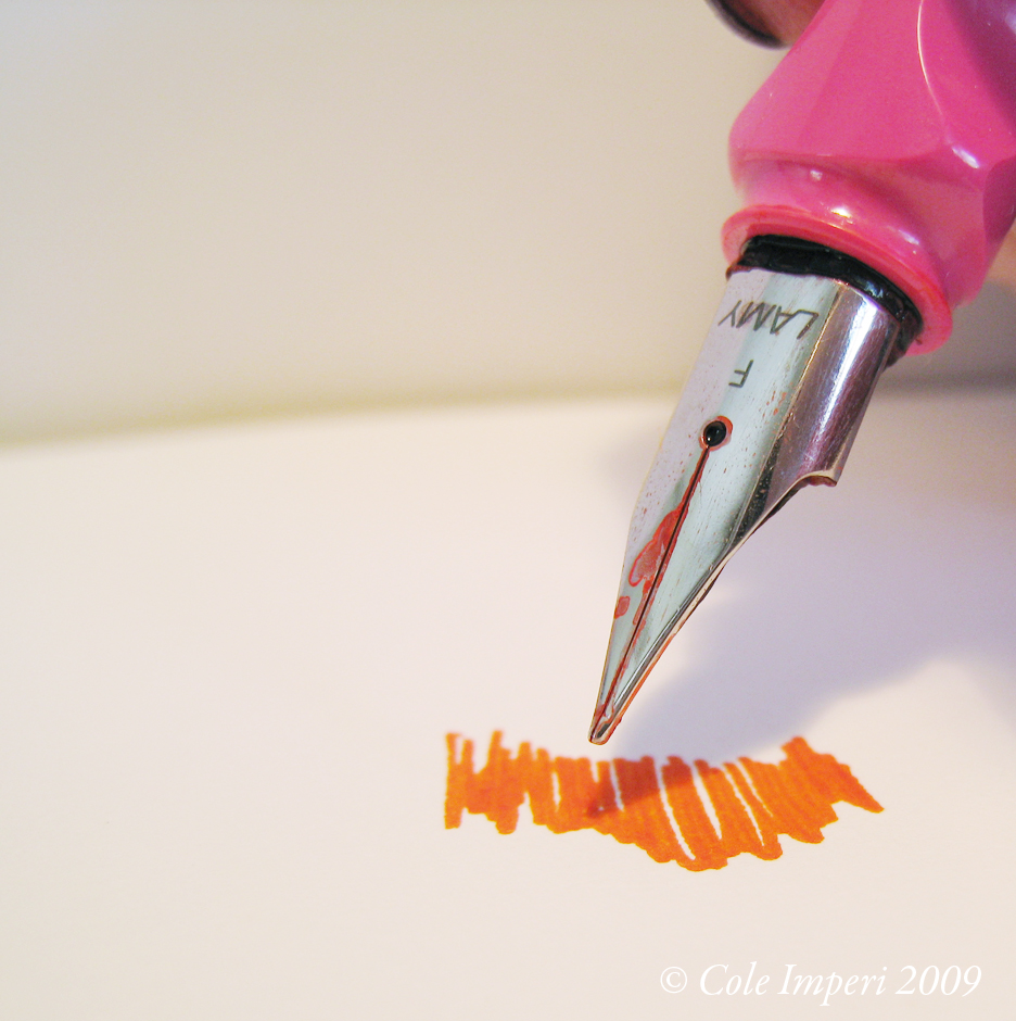 Pink LAMY Safari and Diamine Pumpkin Ink