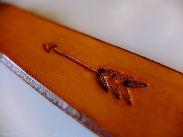 Simplicity-Embellished-Leather-Dog-Collar-Arrow