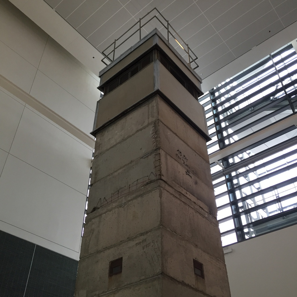 newseum-east-german-tower