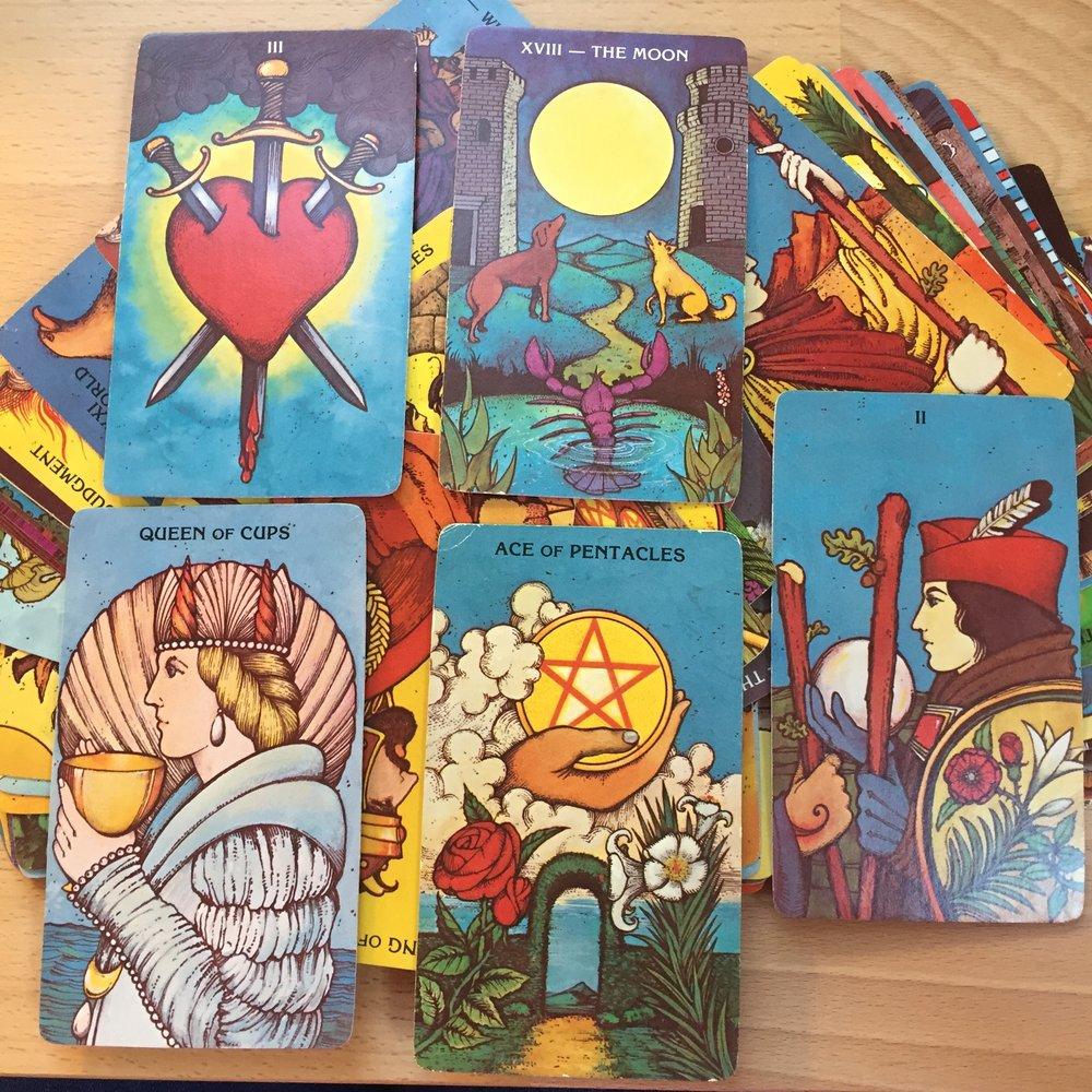 This is my Morgan-Greer Tarot deck.