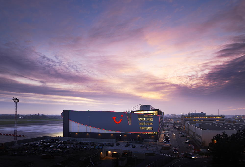 Jetair Port Brussels by Jaspers - Eyers Architects