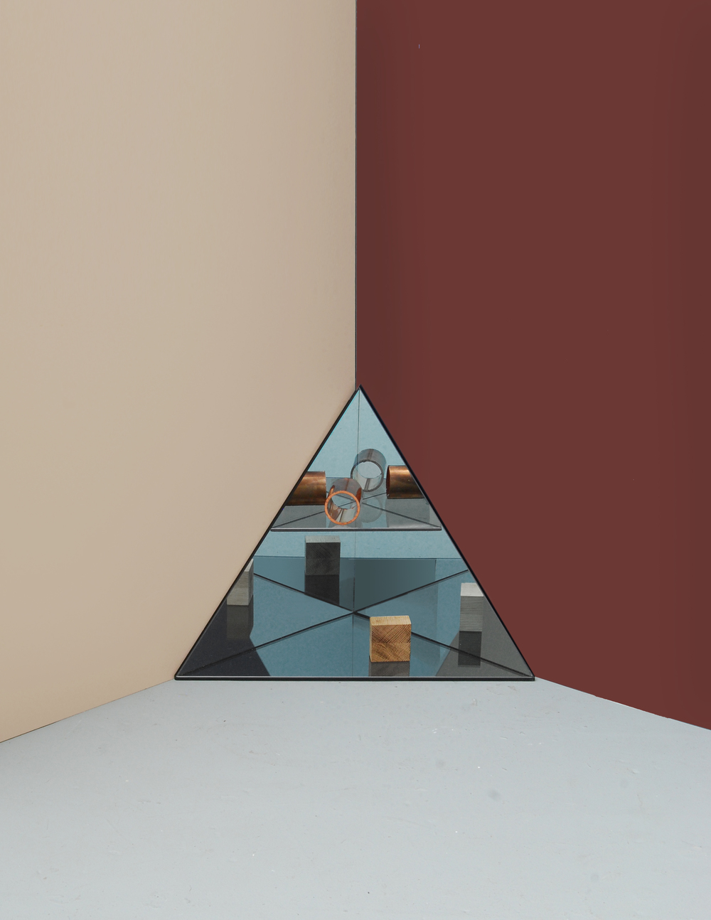 LG Studio_Mirage_Shelf_Triangle.jpg