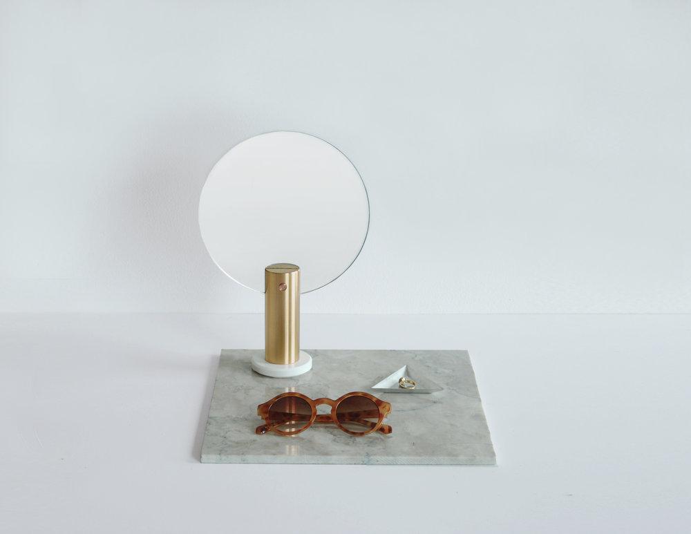 Maru+round+mirror2-brass.jpg