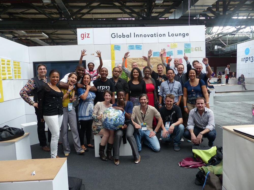 Group picture @Global Innovation Lounge Re: publica