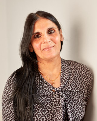Chhaya Mehta  Architect  Chhaya completed her studies in Architecture at Greenwich University in 1996 and gained vast experience working in a variety of design led practices in London as an Architectural Assistant, and then as an Architect in both Private and Public sectors in Suffolk.  She has designed and delivered a number of key projects in the educational sector including several small to large scale extensions and new builds, and since joining Plaice Design Company Ltd in 2013 has worked on a range of domestic new builds and extensions whilst also producing comprehensive Landscape and Planting designs.