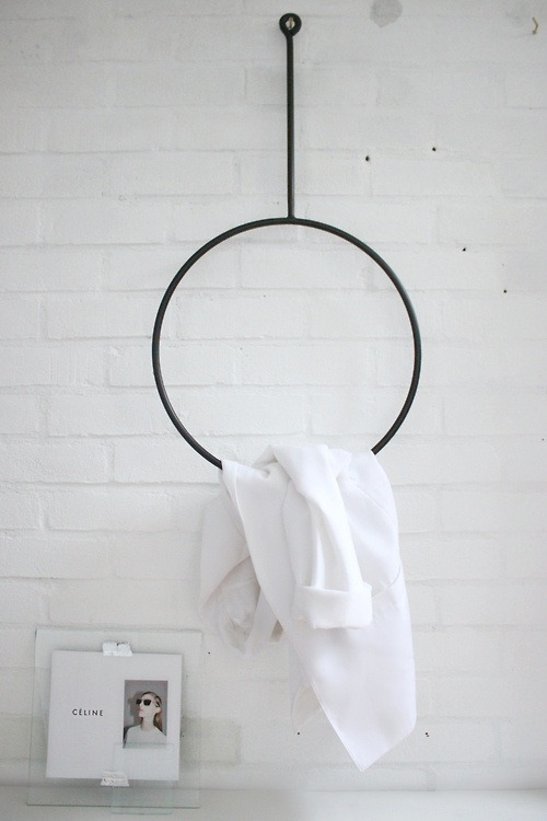 round clothing rack by Annaleena
