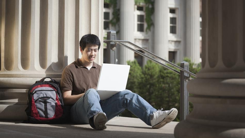 college-student-computer.jpg
