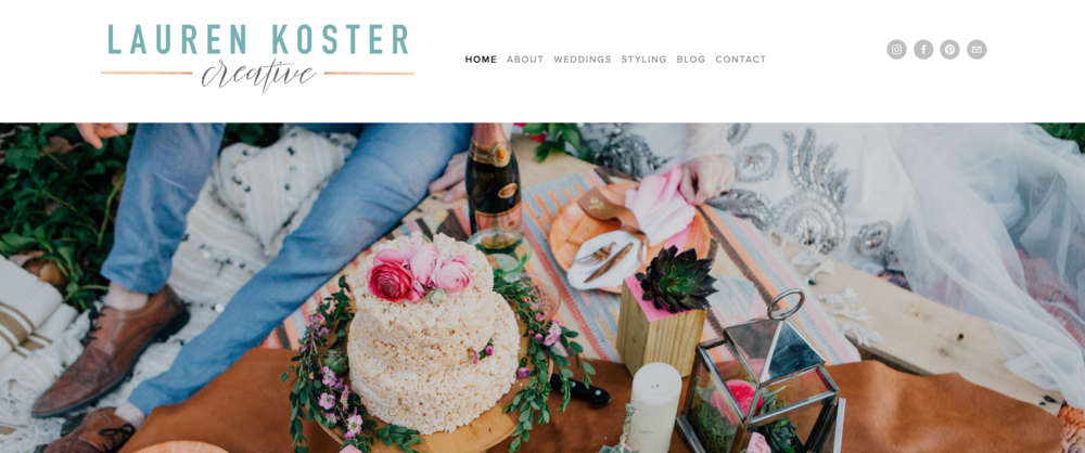 Lauren Koster Creative's use of mixed typography and color keep the site content organized and makes it easy to navigate.