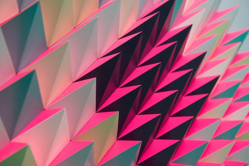 pinkgreenspikeclose.jpg