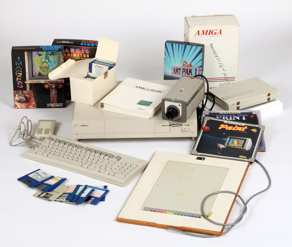 4_Commodore_Amiga_computer_equipment_used_by_Andy_Warhol_1985-86_verge_super_wide.jpg