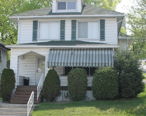 1002 Monroe Avenue, Scranton, PA 4 bedroom house, 2 bathrooms,  3 block walk to TCMC off street parking. $400.00 per bedroom