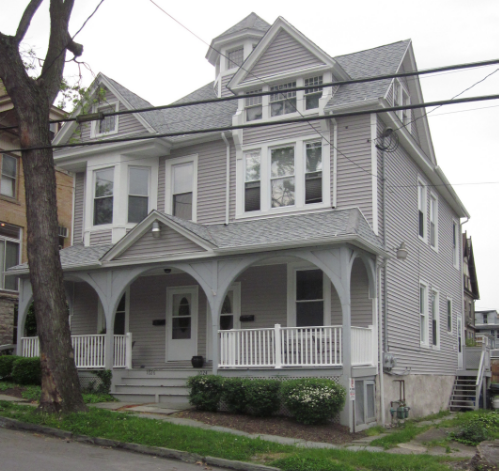 1026 Pine Street, Scranton, PA 3 bedroom 1-1/2 bath half double house.  3 block walk to TCMC.  $475-$525 per bedroom