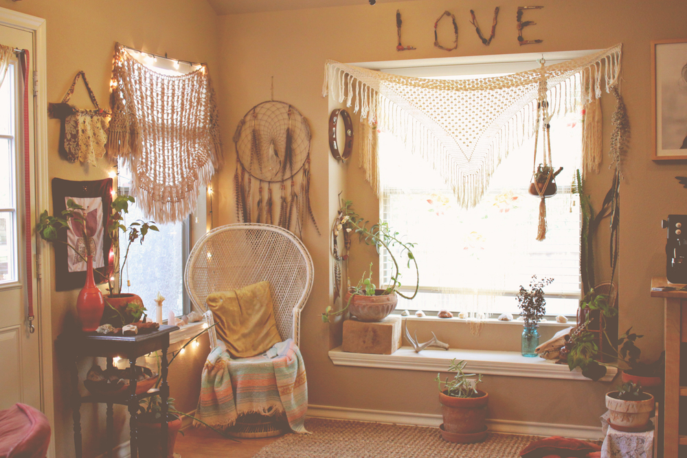 NEST // A CORNER TO DREAM IN — Welcome, boho babes