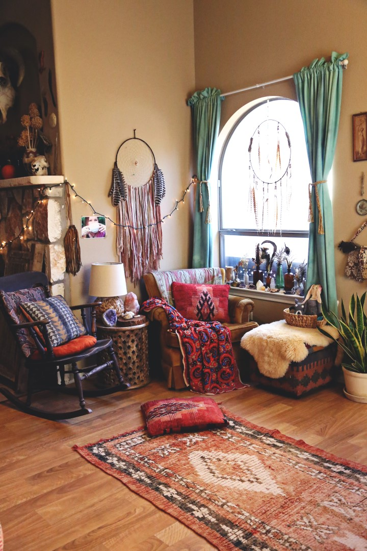 Small Boho Living Room: A COZY BOHO NOOK + DINING AREA