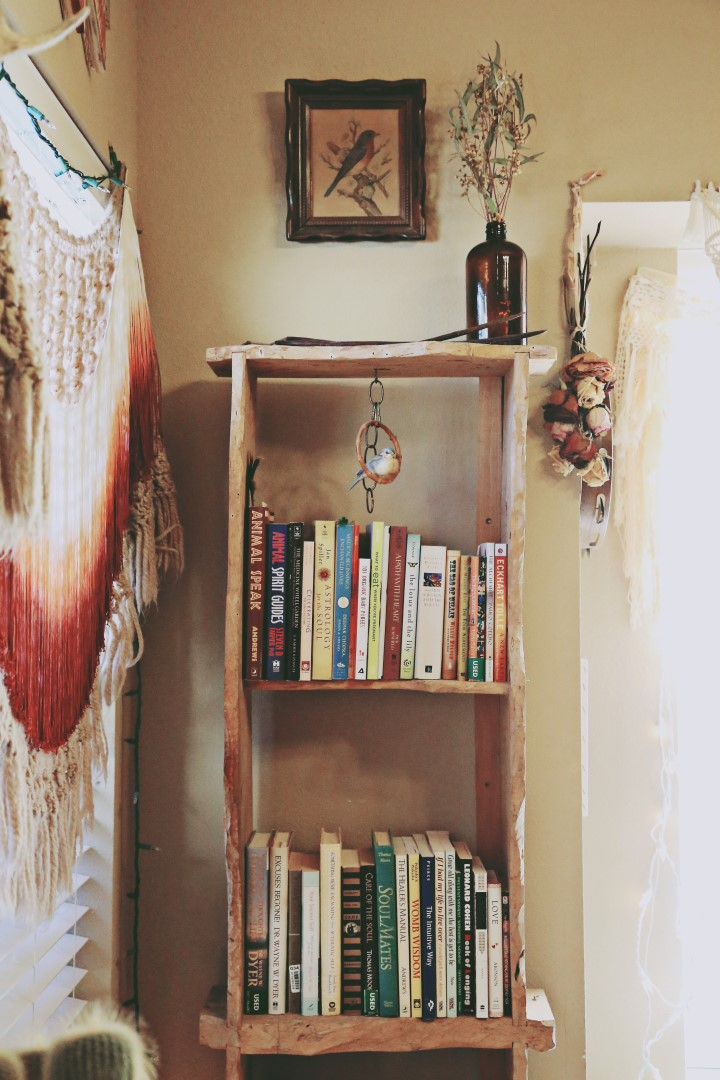A cozy boho nook via bohocollective.com