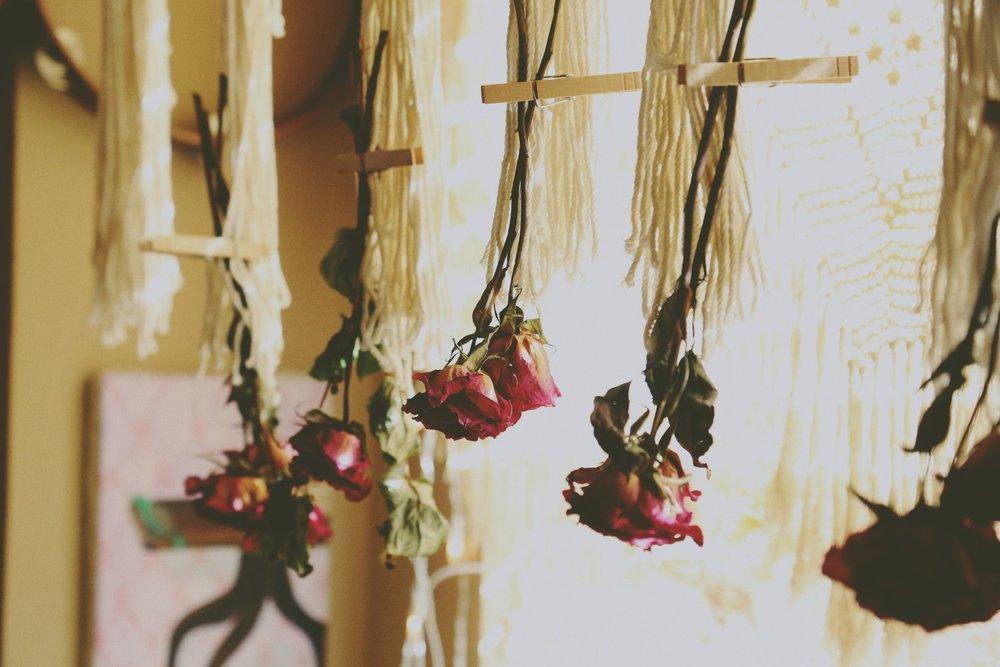 A cozy boho nook via bohocollective.com