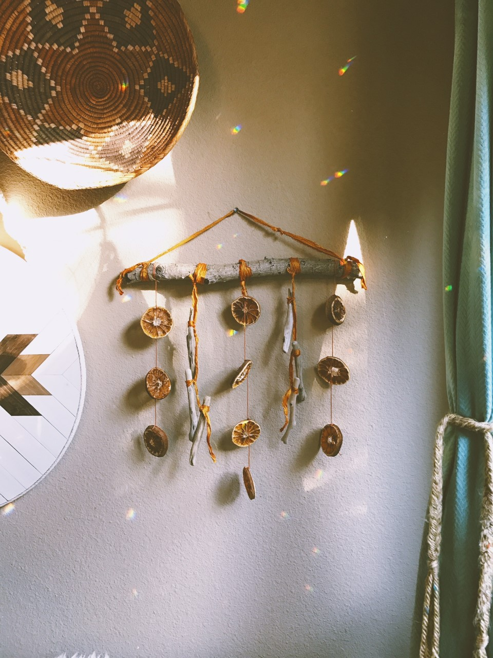 Holiday Wall Hanging DIY via bohocollective.com