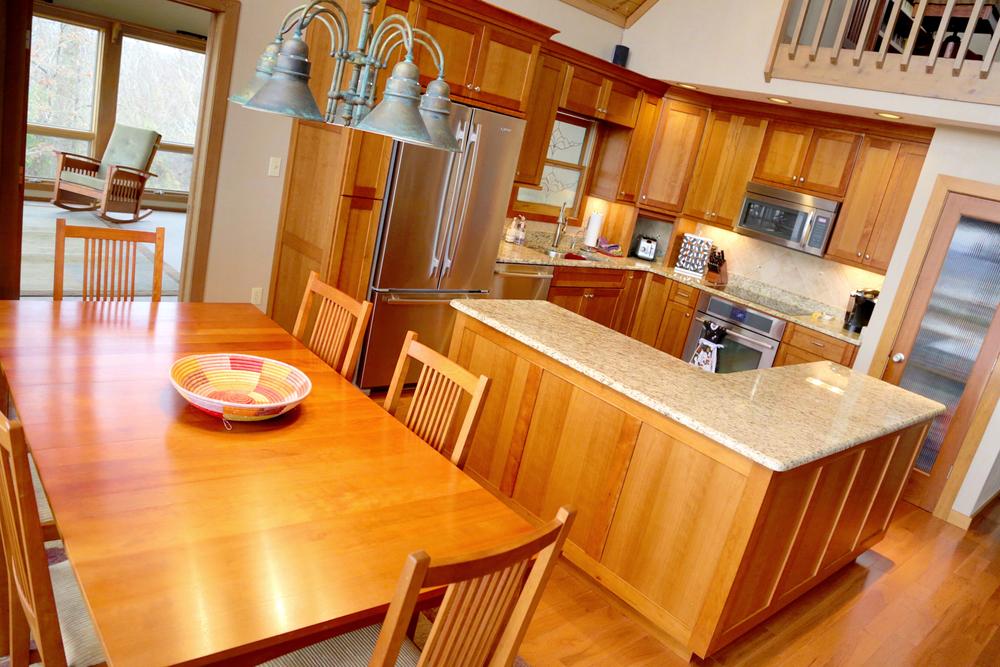 Kitchen:Dining 1.JPG