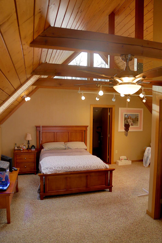 Loft Bedroom 1.JPG