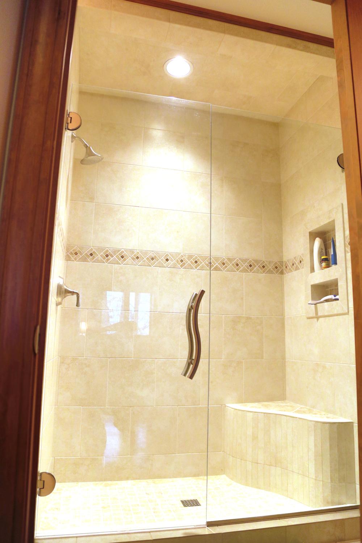 Lower Guest Bath 3.JPG