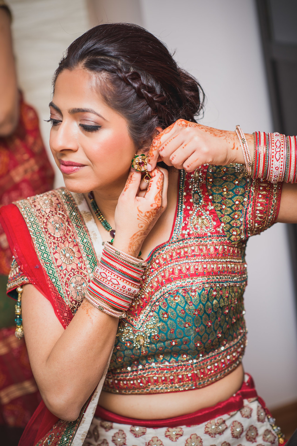 Risha_Kapil_Bride Getting Ready25.jpg